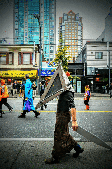Pyramid Head cosplay